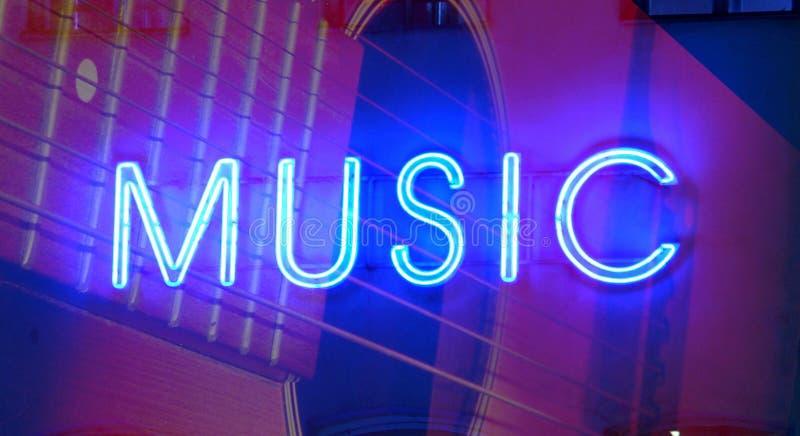 muzyczny neonowy znak obrazy royalty free