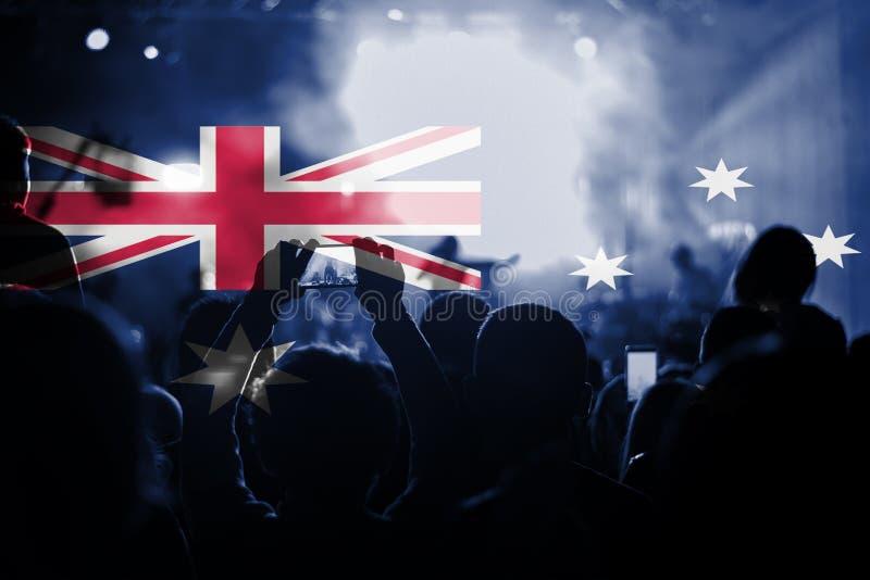 Muzyka na żywo koncert z mieszać Australia flaga na fan zdjęcia stock