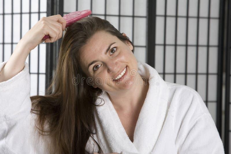 myć włosy kąpielowy jej szlafrok kobieta obraz royalty free