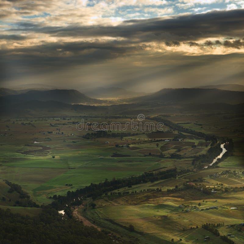 myśliwy nad zmierzch doliną zdjęcia royalty free