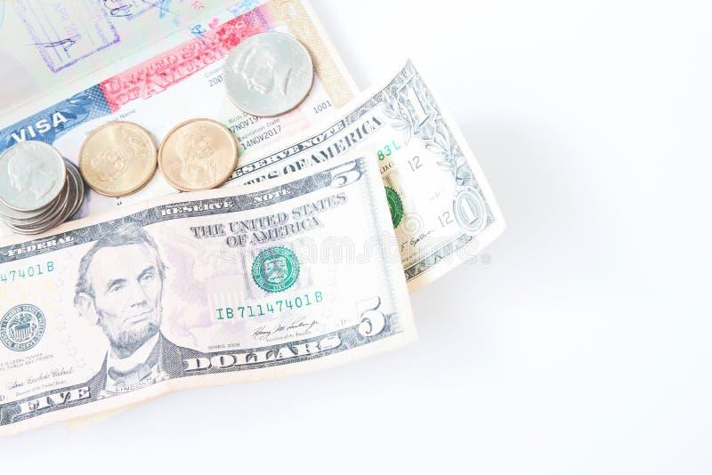 My wiza i pieniądze na białym tle z kopii przestrzenią, podróż Ameryka fotografia royalty free