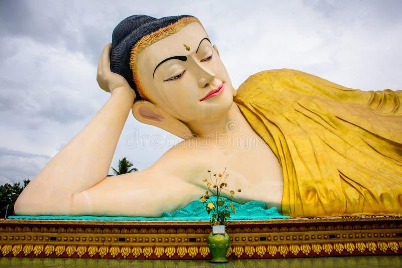 Mya Thar Lyaung Pagoda, Bago, Myanmar royalty-vrije stock foto's