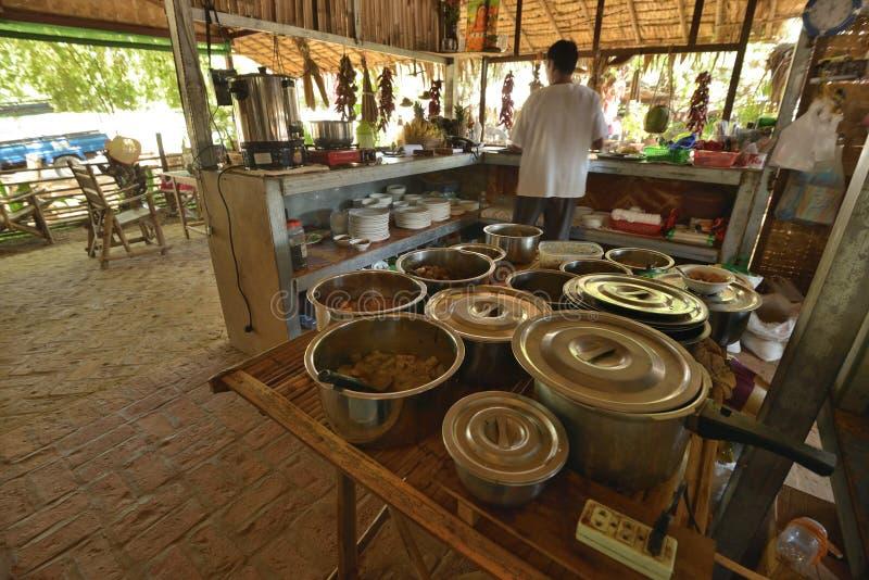 Myanmar-Artrestaurant-Innenküche lizenzfreies stockbild
