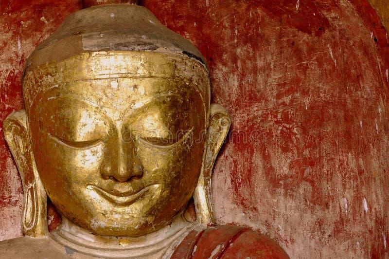 Myanmar, Bagan : Statue dans le temple de Dhammayangyi images stock