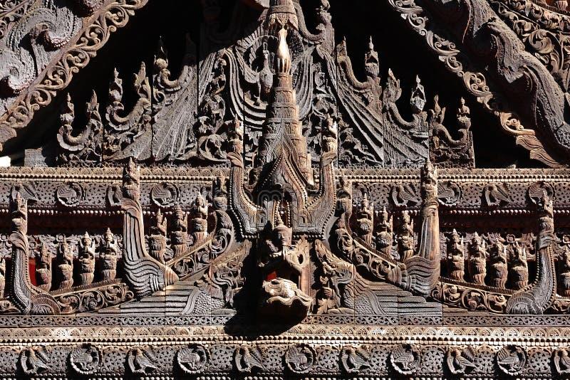 Myanmar-Holz-Schnitzen stockfotos
