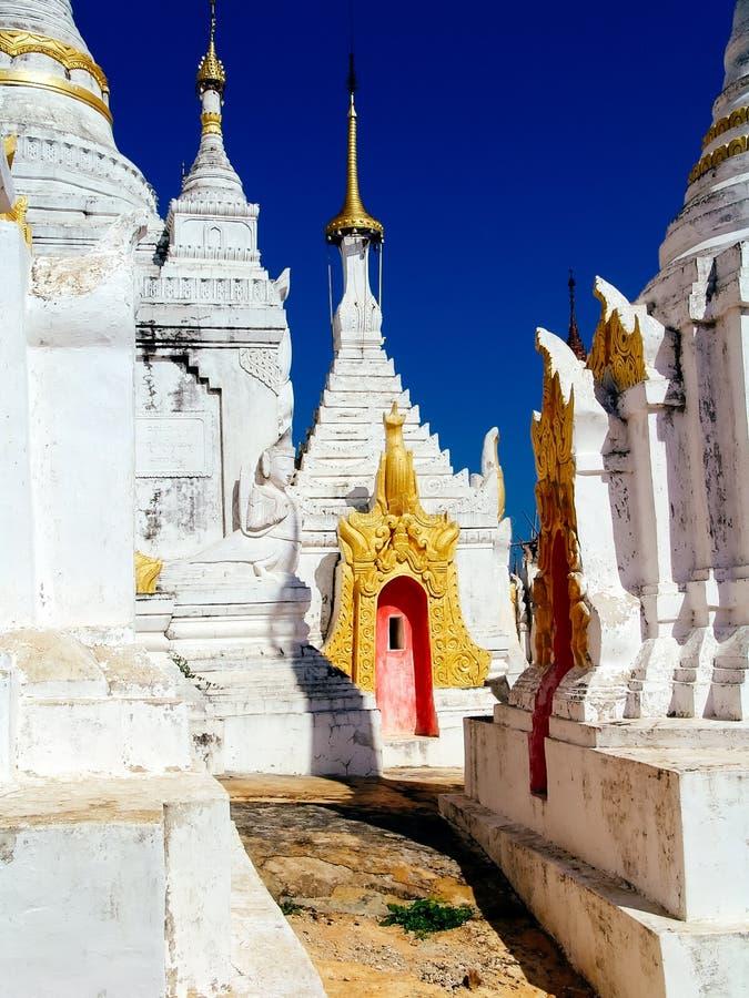 Myanmar, Inle-Meer - de tempel van Shwe Indein royalty-vrije stock foto
