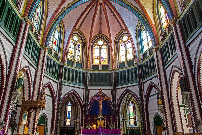 Myanmar, l'intérieur de l'église photos stock