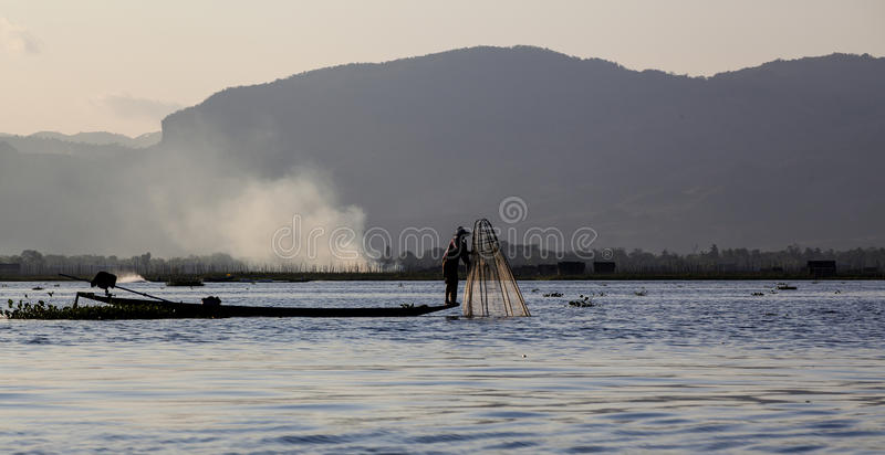 Myanmar, le lac image stock