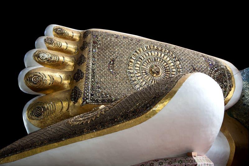 Myanmar, los pies de Buda fotografía de archivo