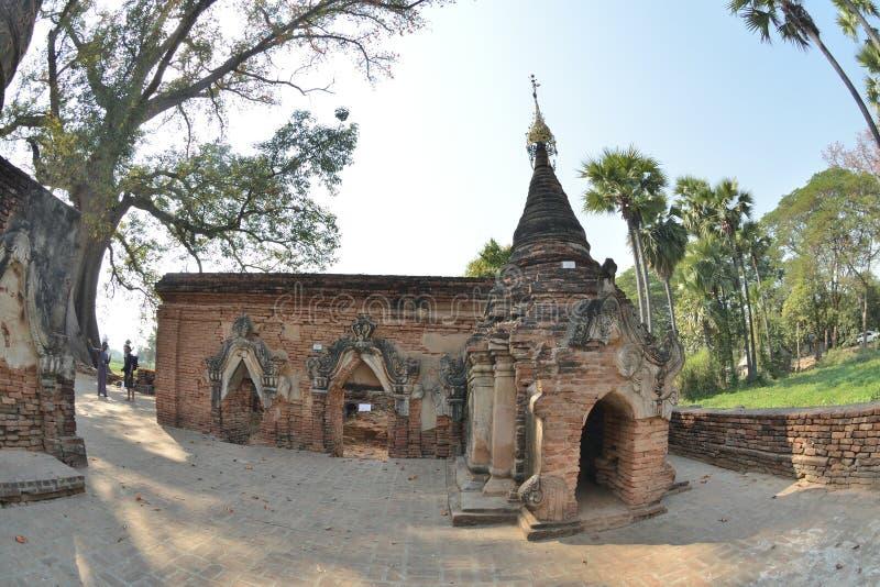 Myanmar Mandalay Yadana Hsemee pagody kompleks zdjęcie stock