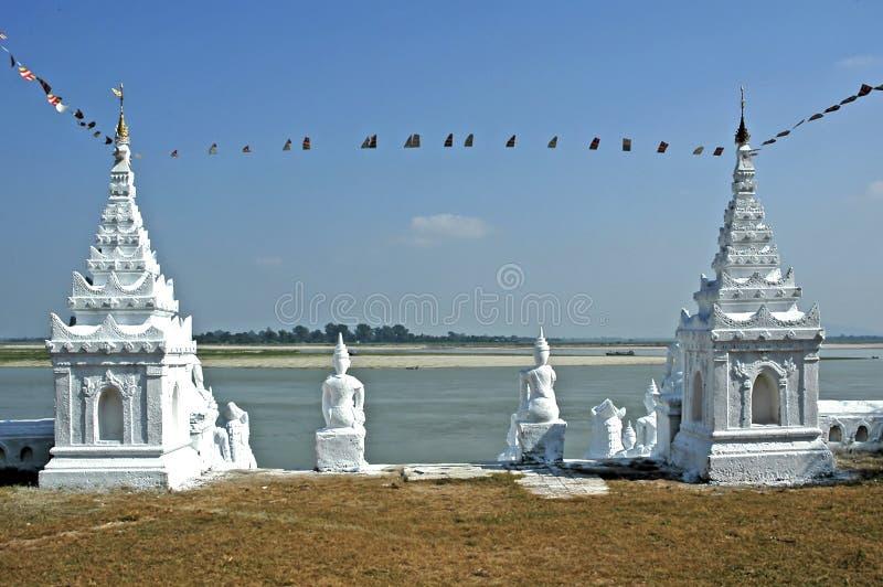 Myanmar, Mingun: pagoda blanca fotografía de archivo