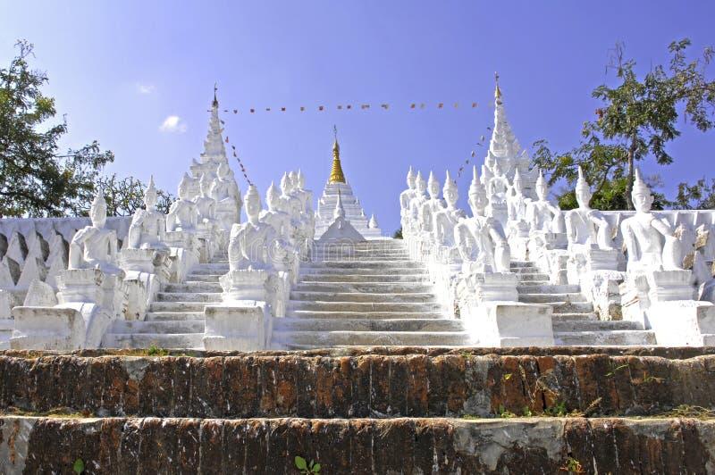 Myanmar, Mingun: pagoda blanca imagen de archivo libre de regalías