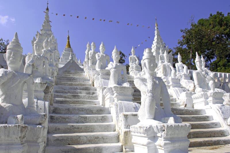 Myanmar, Mingun: weiße Pagode lizenzfreies stockbild