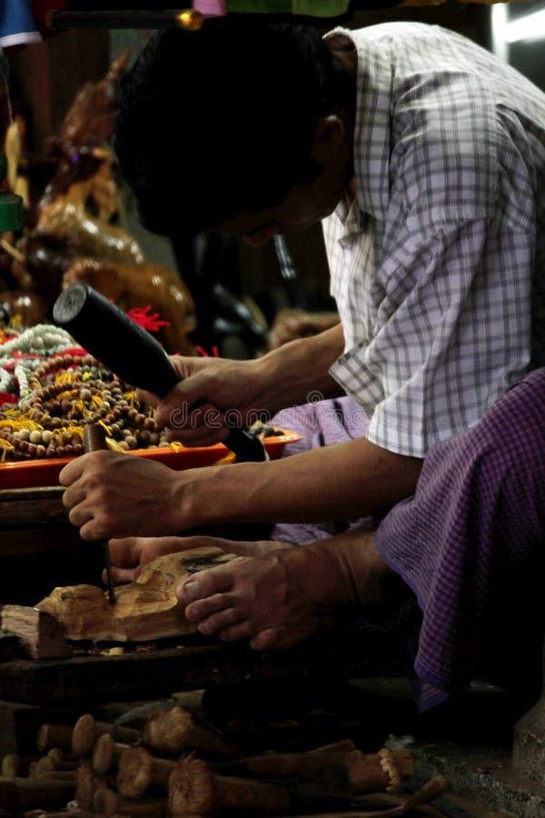 Myanmar rzeźbi drewnianego Buddha fotografia royalty free