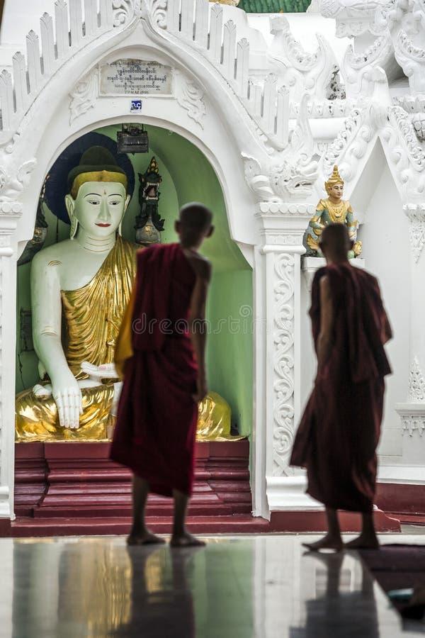 Myanmar - Yangon - o GRANDE PAGODE de SHWEDAGON fotografia de stock