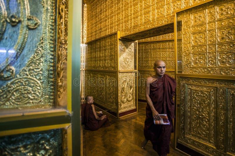 Myanmar - Yangon - pagode de Botahtaung imagem de stock royalty free