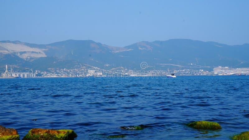 Mycket blått-blått Black Sea royaltyfri foto