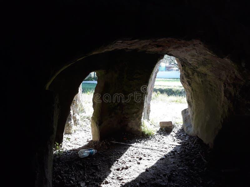 mycket gammal grotta royaltyfria foton