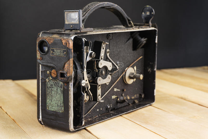 Mycket gammal handheld videokamera fotografering för bildbyråer