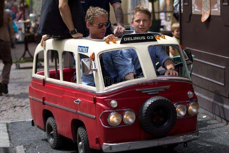 Download Mycket Liten Och Rolig Buss Redaktionell Fotografering för Bildbyråer - Bild av france, festival: 27281484