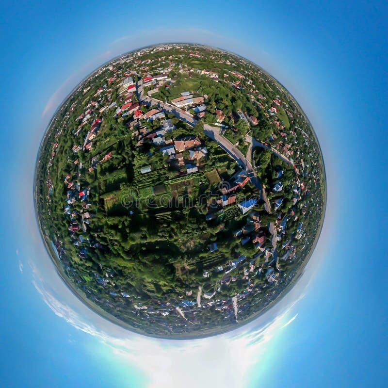 Mycket liten panorama för planet 360 av Caracal Rumänien fotografering för bildbyråer
