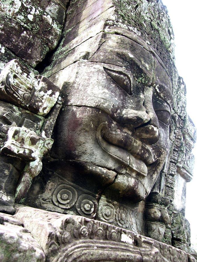 Angkor Thom statyer royaltyfria bilder
