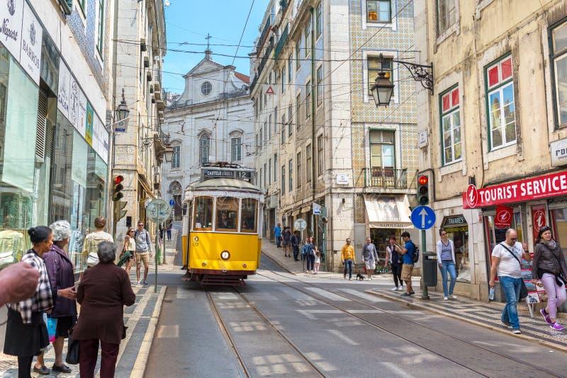 Mycket touristic ställe i den gamla delen av Lissabon, Portugal, Europa royaltyfri foto