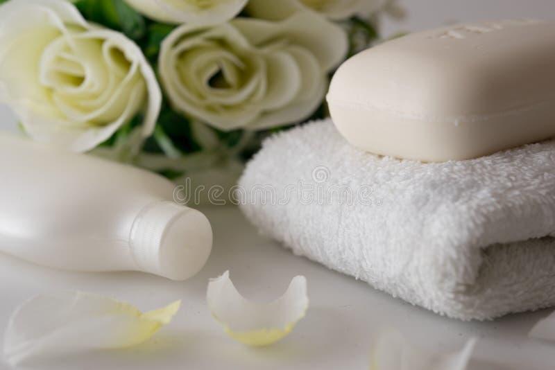 Mydła i róż bielu tło obraz royalty free