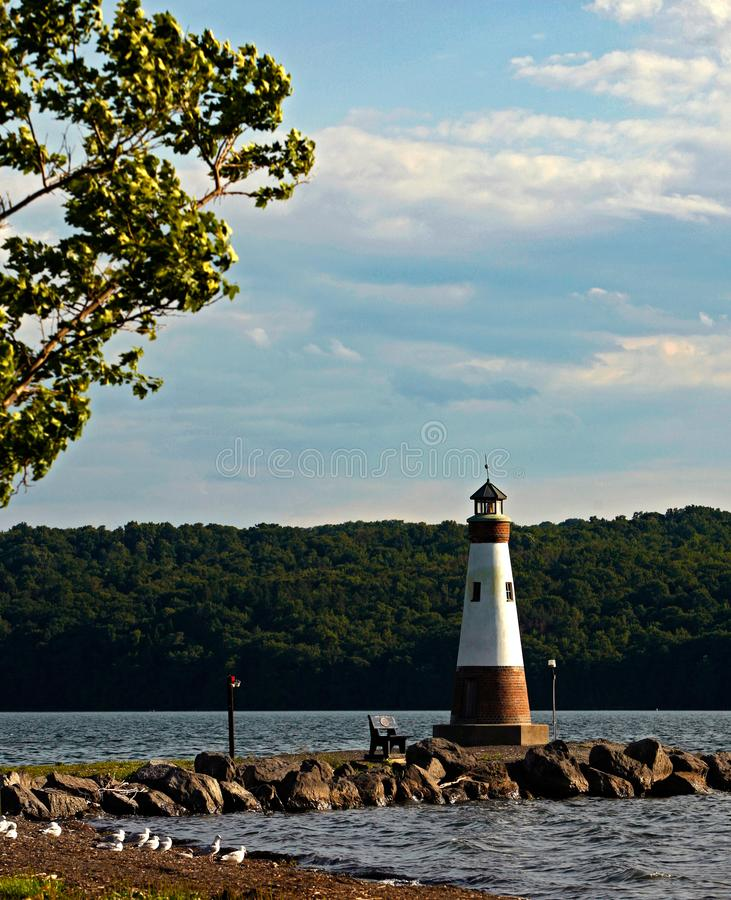 Myers Park Light sul lago cayuga immagini stock libere da diritti