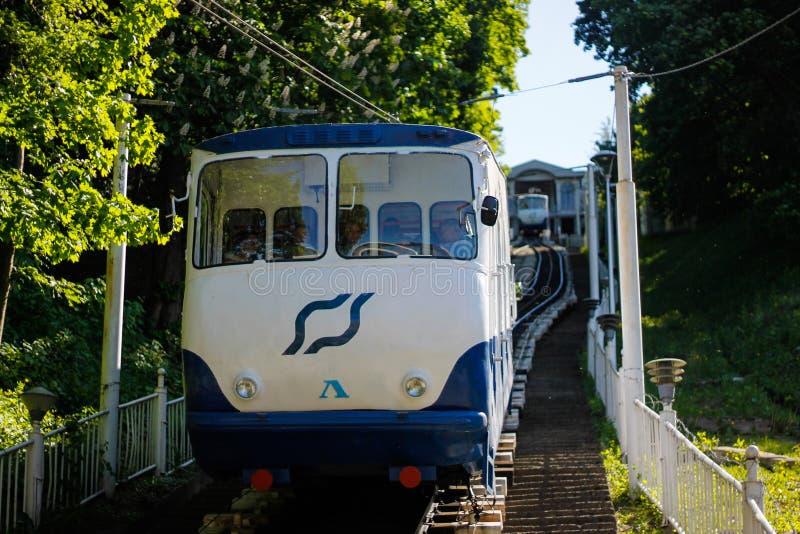 Mykhailivska广场的基辅缆索铁路的fron Poshtova广场 免版税库存照片