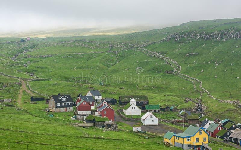 Mykines, typisches Dorf in Färöern lizenzfreie stockbilder
