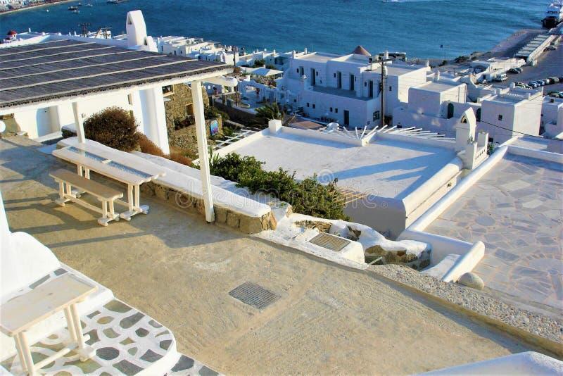 Mykonos, casas brancas, turismo e ilha grega imagem de stock