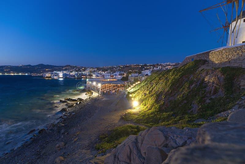 Mykonos na noite - Mar Egeu - Cyclades - Grécia foto de stock
