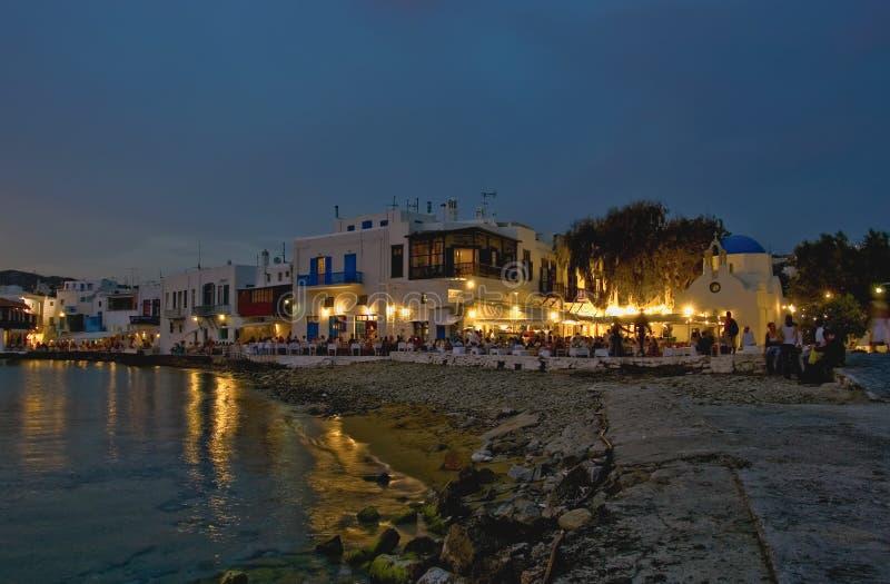 Mykonos Strand an der Dämmerung stockbilder