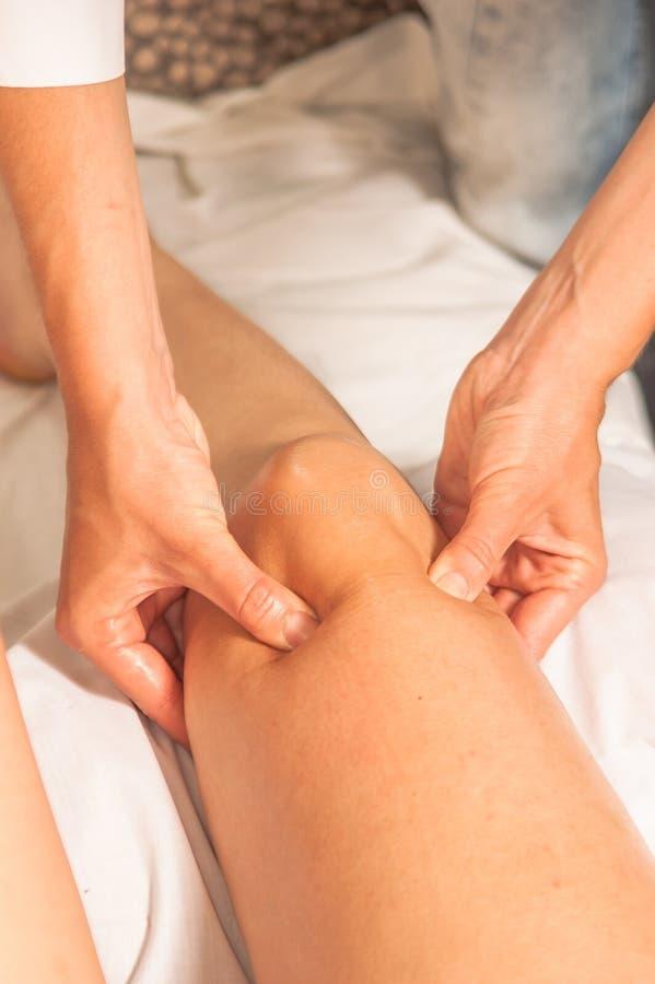 myotherapy ώθηση σημείων s ποδιών αθλητών στοκ εικόνα με δικαίωμα ελεύθερης χρήσης
