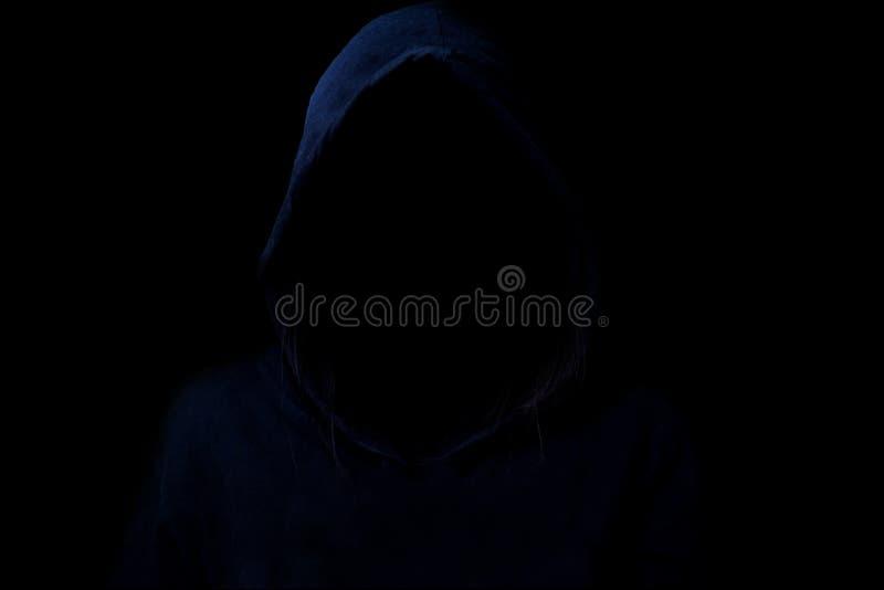 Mysteriös, Restlichtbild des Hackers lizenzfreies stockfoto