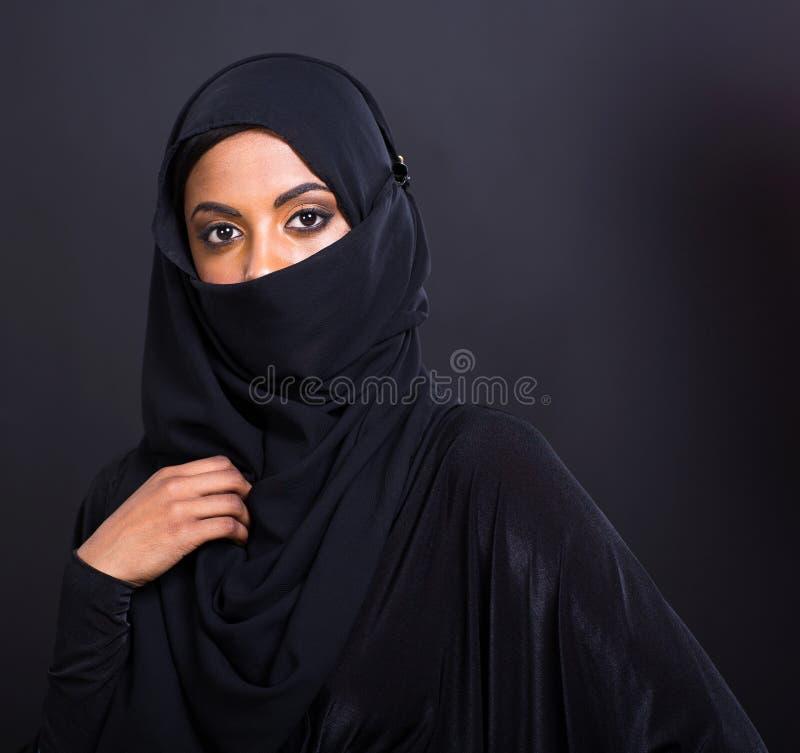 Mysteriöse moslemische Frau stockbilder