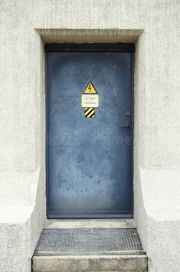 Download Mysterious Spooky Bunker Door - Fallout Shelter Stock Photo - Image of bunker radioactive & Mysterious Spooky Bunker Door - Fallout Shelter Stock Photo - Image ...