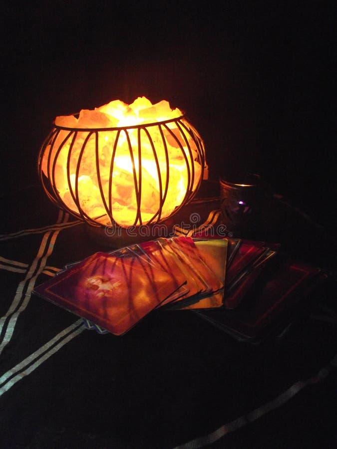 Mystieke Brand Crystal Cage Lamp stock afbeeldingen