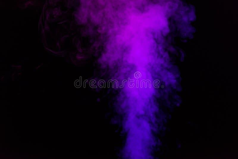 mystieke zwarte achtergrond met viooltje stock foto's