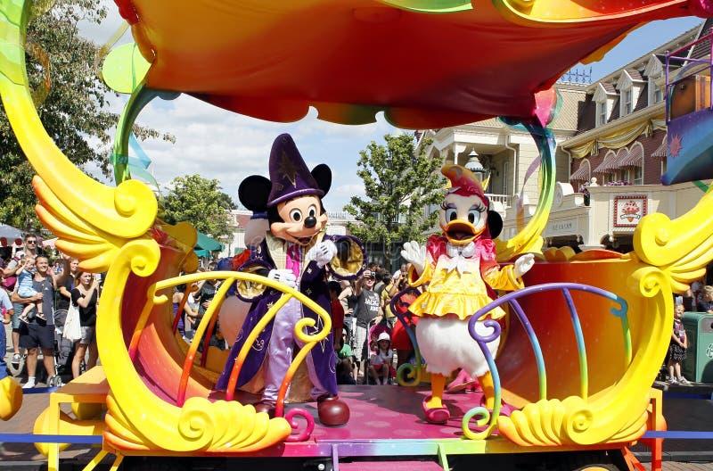 Myszka Miki i stokrotka w eurodisney zdjęcia stock