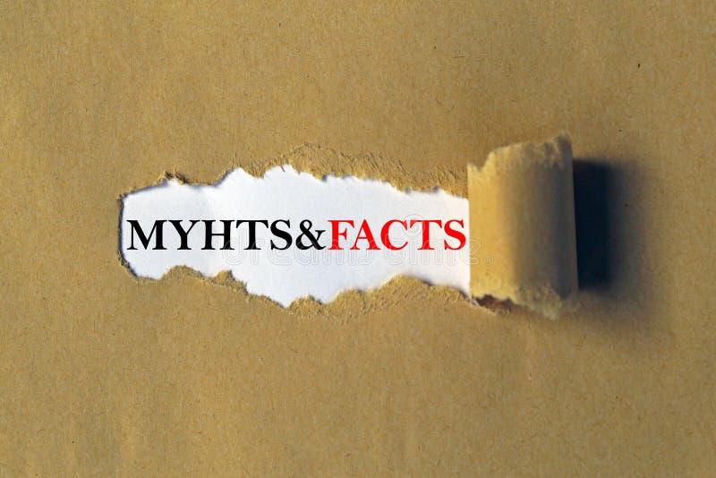 Mythen und Tatsachenüberschrift stockfotografie