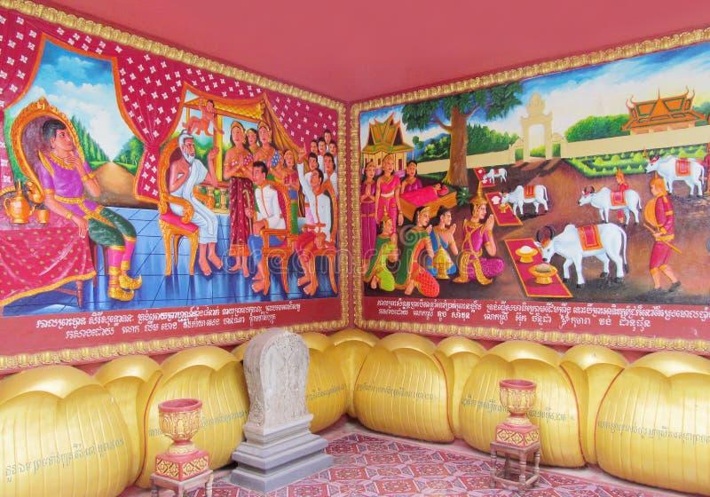 Mythologisch beeld op de muur van Aziatische tempel stock foto