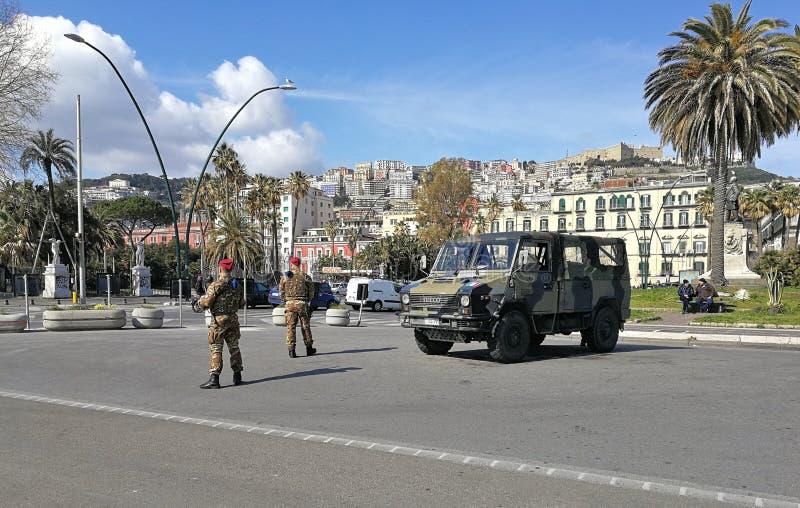 Nápoles - ejército en la costa foto de archivo libre de regalías