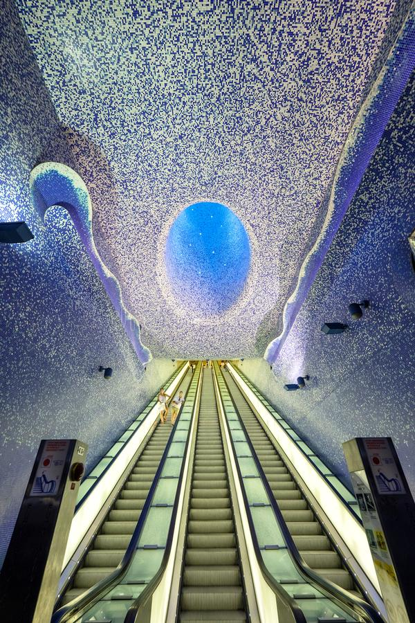 Nápoles, Italia - 23 de agosto de 2018 Toledo Metro Station en el centro de Napoli foto de archivo libre de regalías