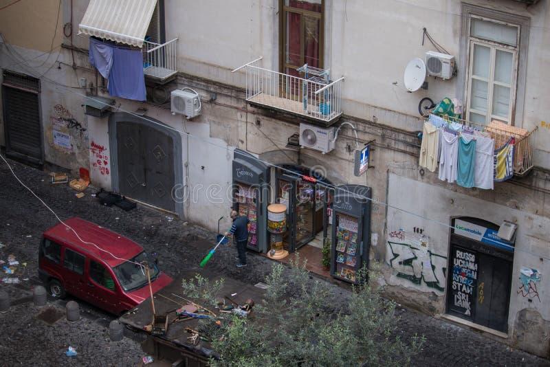 NÁPOLES, ITALIA - 4 de noviembre de 2018 Streetlife en Napoli foto de archivo libre de regalías