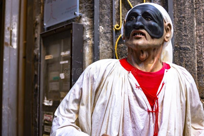 Nápoles, máscara napolitana tradicional do teatro de Pulcinella imagens de stock