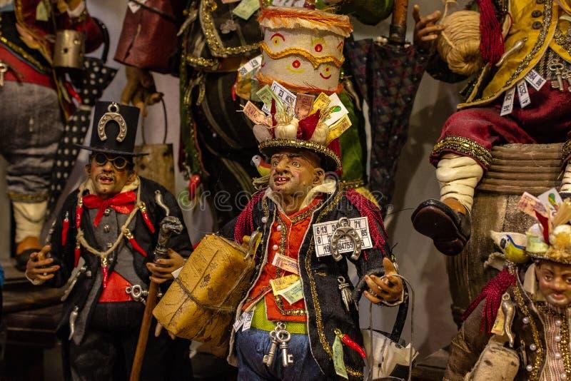Nápoles, San Gregorio Armeno, representação na ucha napolitana de um caráter afortunado típico foto de stock