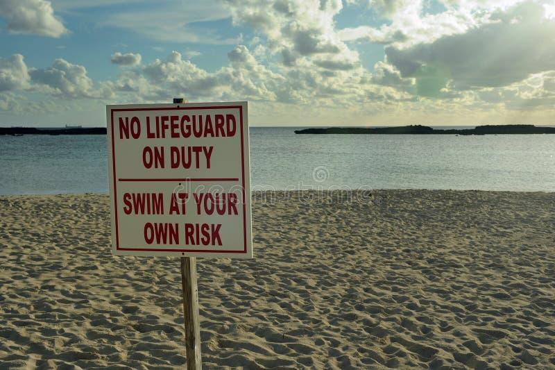 Não assine nenhuma salva-vidas no dever fotografia de stock royalty free