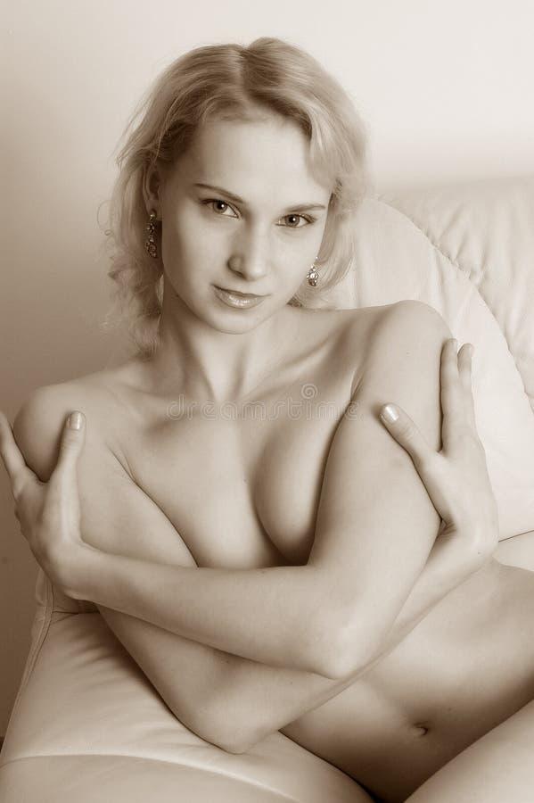Download Näcka kvinnor arkivfoto. Bild av dröm, underlag, avkoppling - 518562